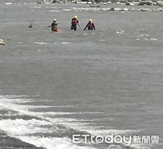 即/釣客高屏溪疑失蹤 高屏2地警消緊急搜救