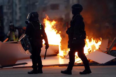 王毅:香港示威者行徑讓人無法接受