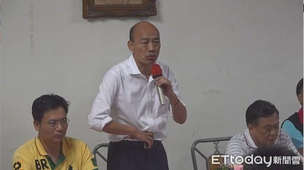 國民黨志工狂誇:韓國瑜「吃喝嫖賭每樣都會」但他不會拐騙! 現場氣氛凝結