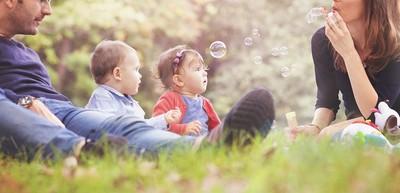 離婚半年!她驚見前夫牽著1歲雙胞胎…臉秒綠