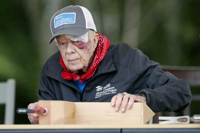 美前總統卡特在家摔傷 住院觀察