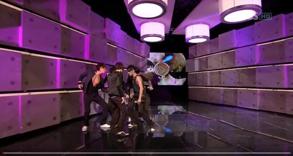 韓網「偶像史上最完美LIVE」首推2008年神舞台 唱跳走位100分連合音都自己來