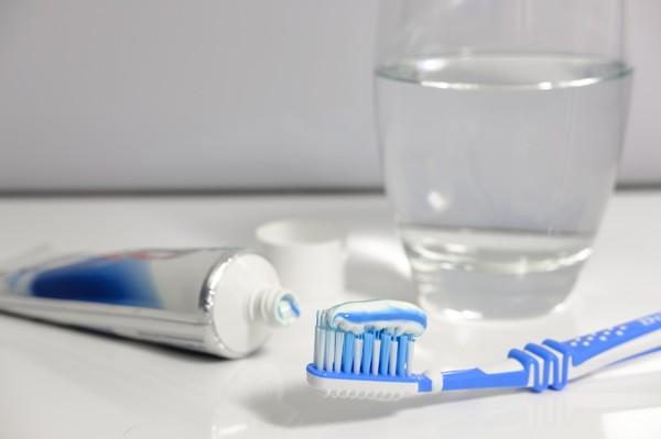 ▲▼從「擠牙膏」方式看潛在個性             。(圖/Unsplash、Pixabay)