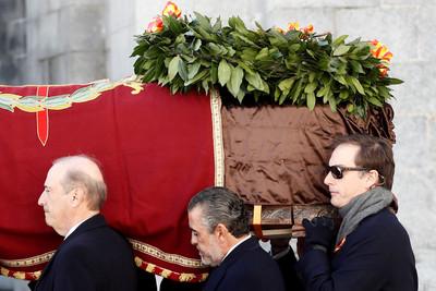 西班牙獨裁者佛朗哥遷葬移出烈士谷