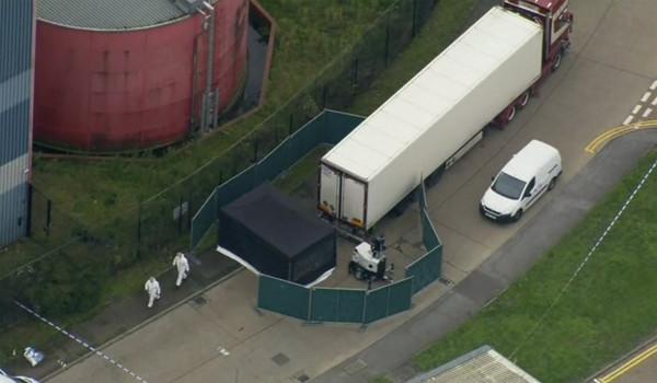 ▲英國埃塞克斯郡一個冷凍貨櫃發現39具屍體,警方證實死者均為中國公民。(圖/達志影像/美聯社)