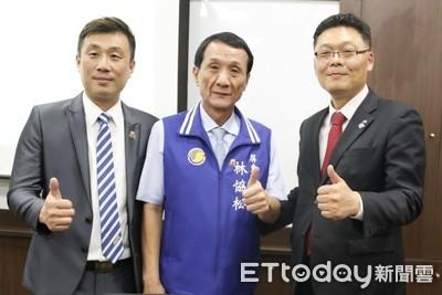 韓國青商&屏東青商會 合捐100本書給屏市