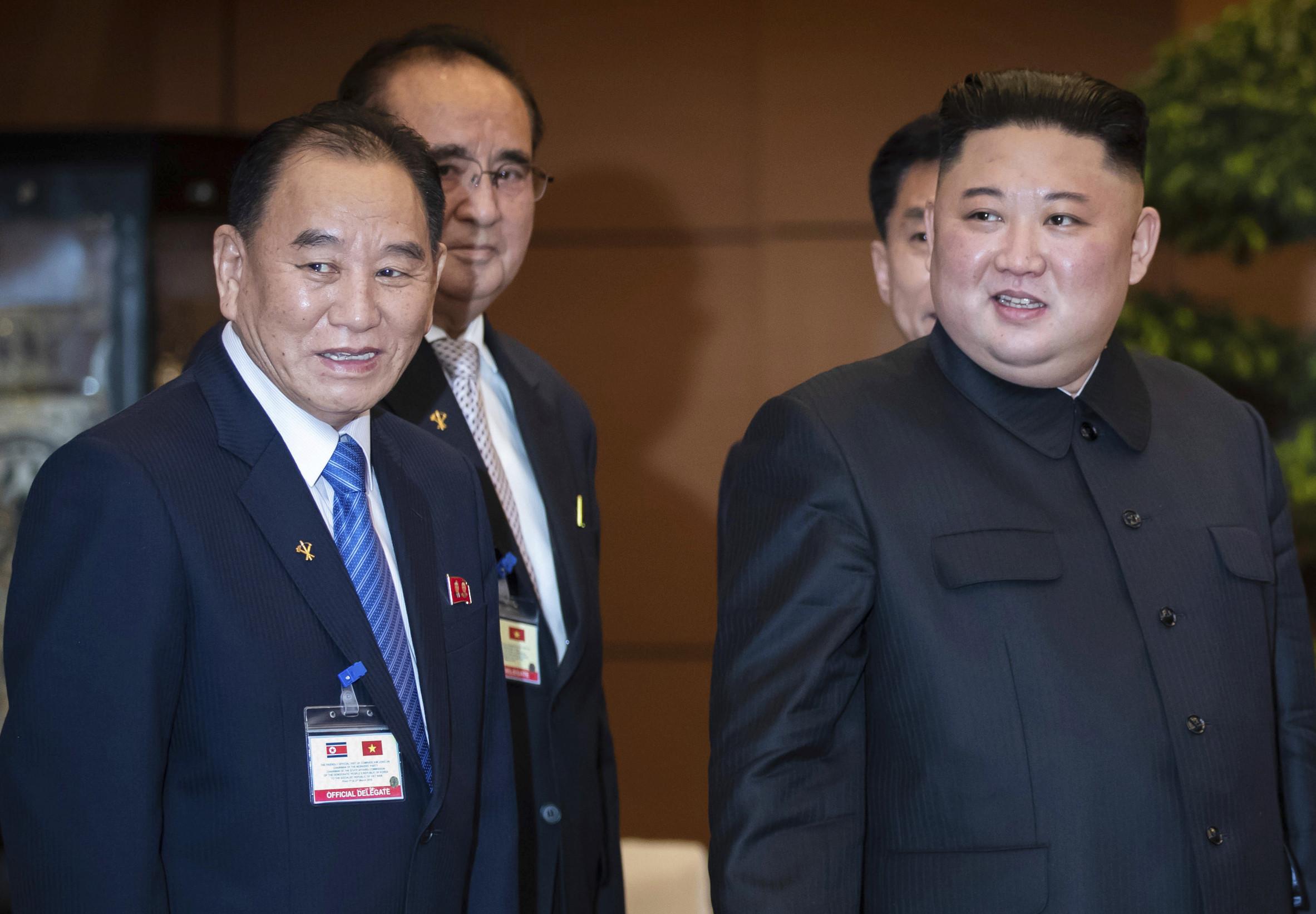 ▲▼ 北韓領導人金正恩(右)與北韓勞動黨副委員長金英哲(Kim Yong Chol,左)。(圖/達志影像/美聯社)