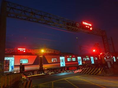 清水婦清晨闖鐵道 遭區間車撞斃