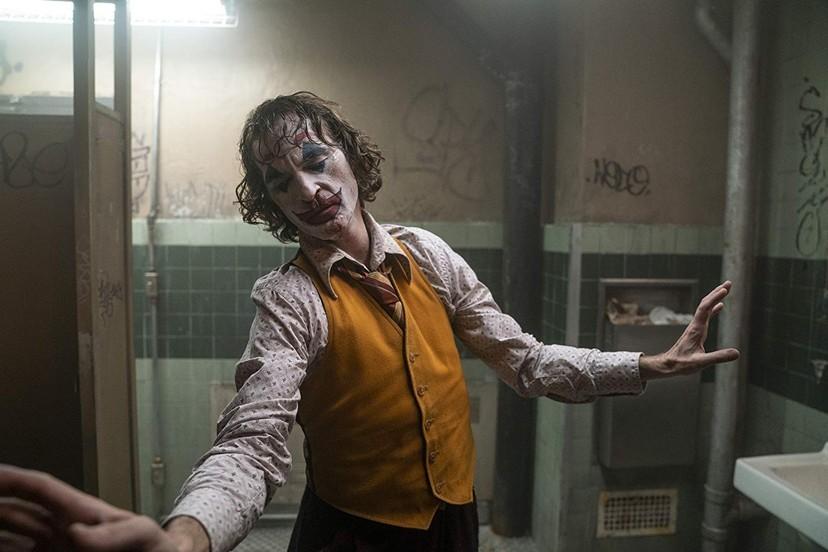 看《小丑》前必預習四部電影!《計程車司機》勞勃狄尼洛竟從魯蛇變欺負亞瑟的主持人