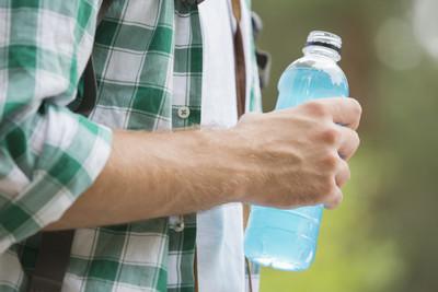 狂喝8至10罐能量飲 26歲男心臟病發