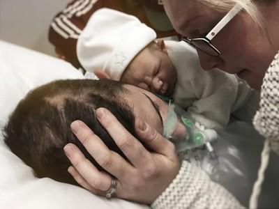只為見最後一面! 腦癌父苦撐等女兒出生 相擁3小時後離世