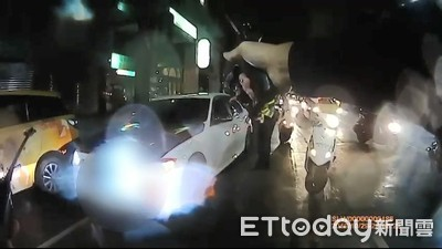 BMW男拒檢衝撞 辱警哭爸、臭雞X後果超慘