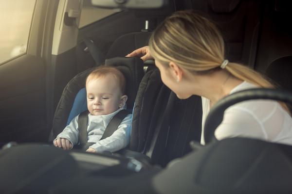 黑車比白車更容易出車禍,後座中間座位相對安全 車輛豆知識報給你知(圖/翻攝自)
