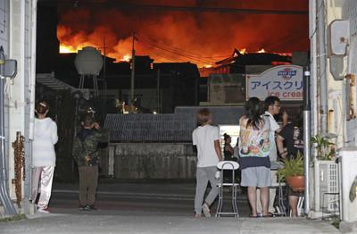 首里城起火點曝 濃煙瀰漫難呼吸