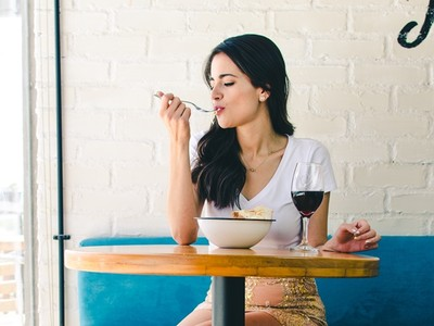 喜歡一個人吃飯代表你有4個優點