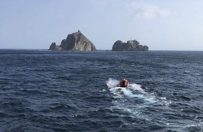 南韓消防直升機墜海 尋獲2遺體