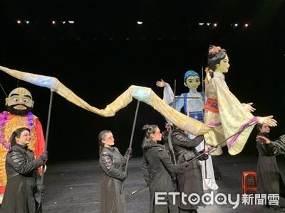 紙風車升級版白蛇傳!3公尺高花燈人偶