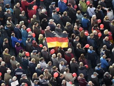 德國德勒斯登:進入納粹緊急狀態