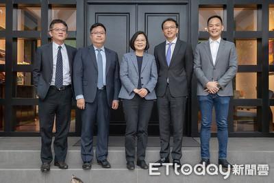 成大校友陳俊聖、張嘉淵獲總統接見