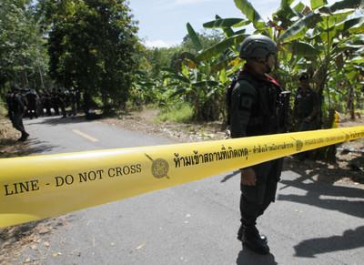 泰南2座安全檢查站遇襲 15死4傷