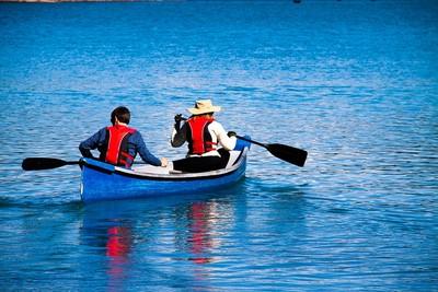 戶外運動有益健康!加拿大人死前必「做」清單:在獨木舟上享受性愛