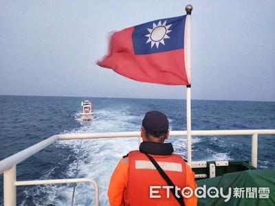 遊艇失去動力海巡協助人船脫困