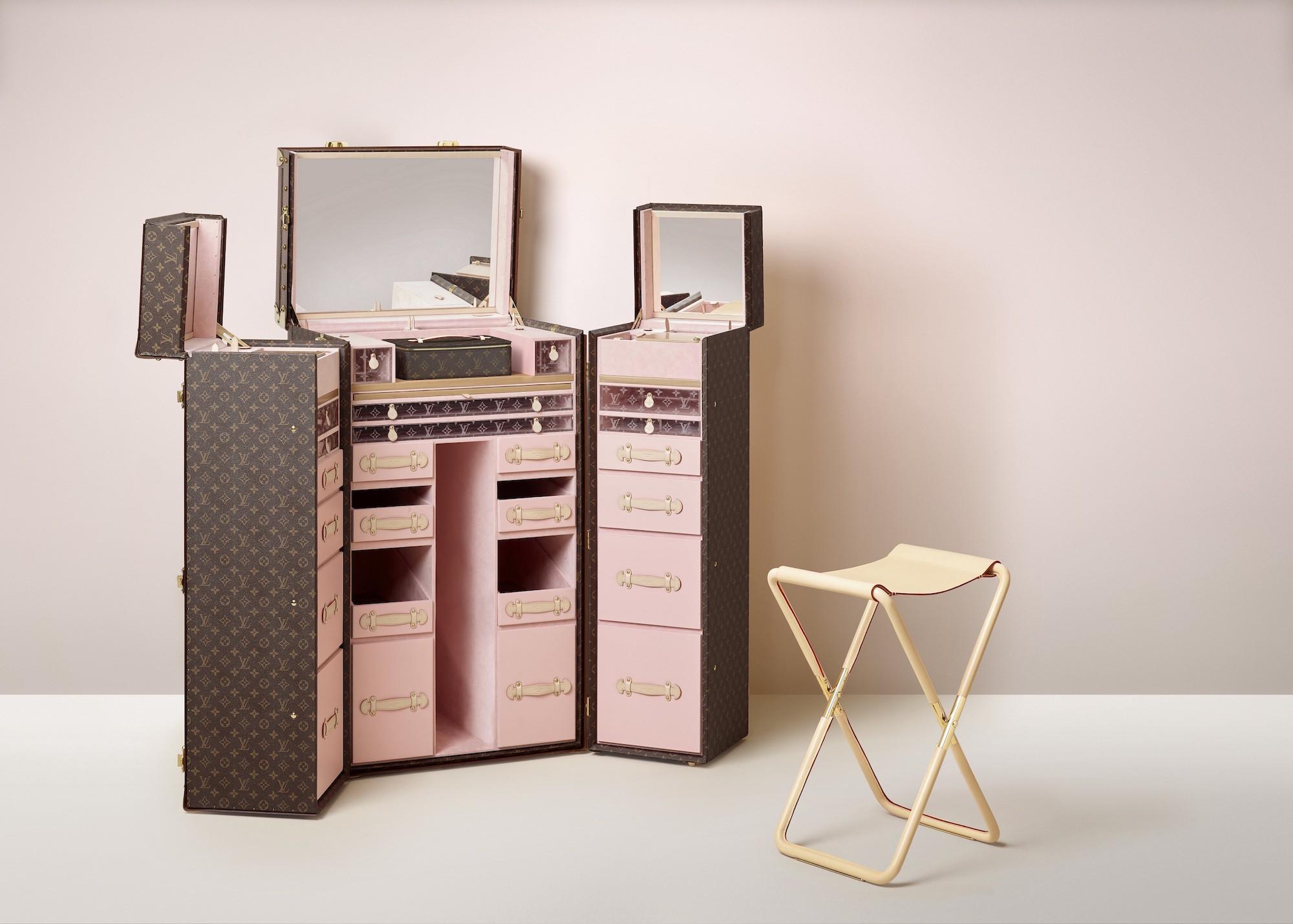 ▲Louis Vuitton球鞋行李收納箱。(圖/品牌提供、翻攝自Louis Vuitton、Sneaker Mob、Aholic)