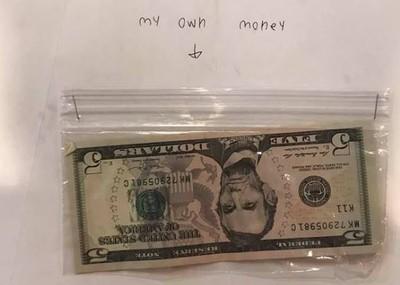 9歲童拿455元替師「加薪」