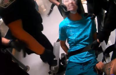 她非吸菸區抽菸遭拘留 警「塑膠袋套頭電擊」刑求曝光