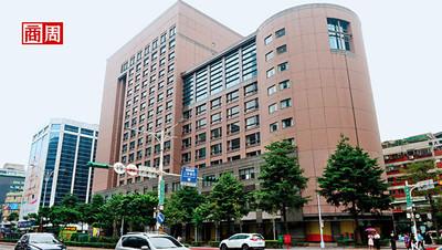 JR東日本租下六福皇宮 密談內幕