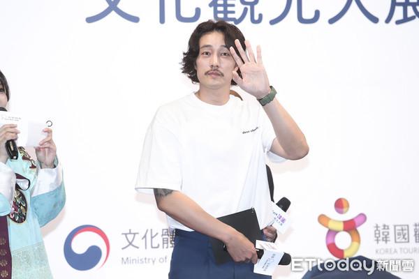 ▲▼1108 蘇志燮為台北旅展韓國館開幕站台。(圖/記者黃克翔攝)