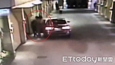 停車場蓋布袋擄人 22警攻堅竟是慶生派對