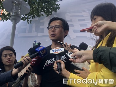 林亮君、吳崢退黨 黃國昌:只能尊重