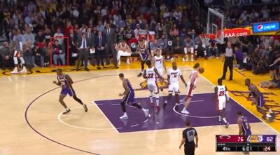 NBA觀眾穿「青天白日滿地紅」騰訊秒停播