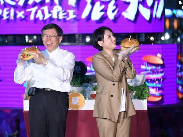 魏如萱首登台北跨年舞台表演 開心可早早收工回家看兒子!