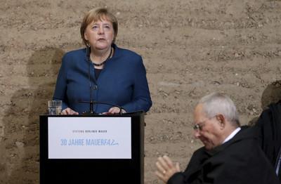 柏林圍牆倒塌30周年 梅克爾籲捍衛民主