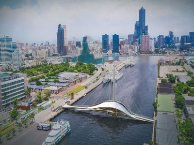 高雄駁二新地標!大港橋最快年底開放