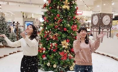 環球中和「聖誕小鎮」室內下雪了