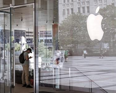 美國Apple Store員工涉嫌竊取女客戶私密照 蘋果開除...警方調查