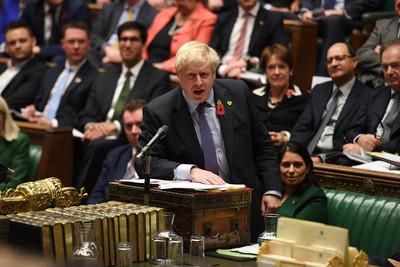 英兩黨祭出「結束10年撙節」政策