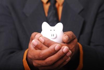 儲蓄險繳完想解約領錢!專家幫畫表格