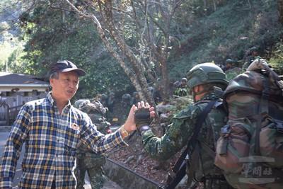 陸軍機步排特戰輪訓2週山地行軍
