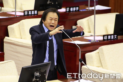 王世堅嗆邱毅 出來選區域接受民意檢驗!