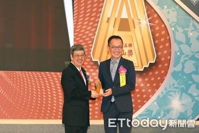 南山人壽連3年獲「國家品牌玉山獎」