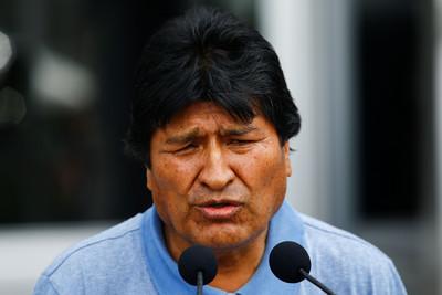 波國前總統抵墨西哥 臨時總統上任