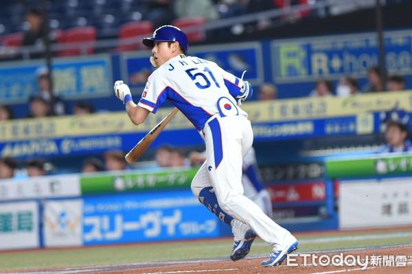 ▲12強棒球賽複賽,韓國隊李政厚。(圖/記者林敬旻攝)