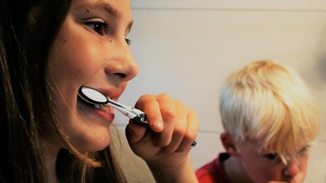 ▲▼刷牙 。(圖/取自免費圖庫Pixabay)