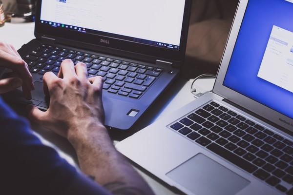 ▲▼駭客,電腦,筆電。(圖/取自免費圖庫Unsplash)