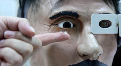 「智慧隱形眼鏡」交大搶先Google做到了!