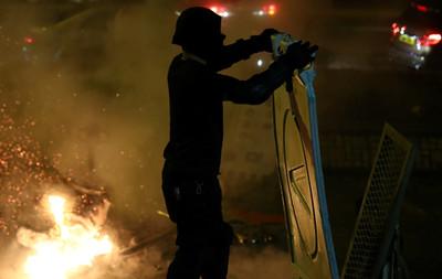 《環球時報》推特:香港週末實施宵禁